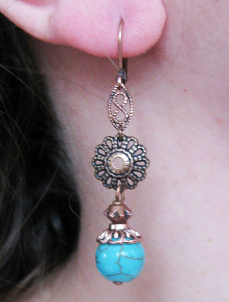 Feather/Flower Stone Earring